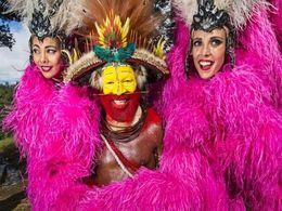 diaporama pps Danseuses du Lido chez les Papous