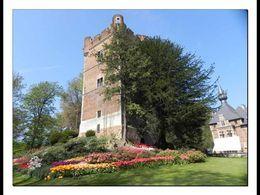 Diaporama découverte Le donjon une surprise fleurie du château de grand Bigard