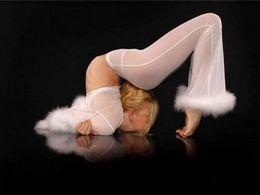 Femmes contorsionnistes